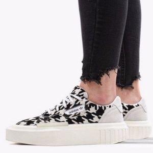 NWT Adidas Hypersleek Printed Platform Sneaker